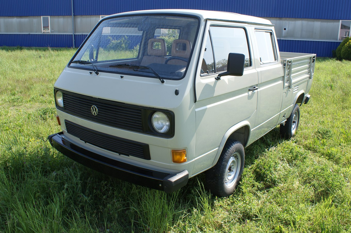Volkswagen truck photo - 6