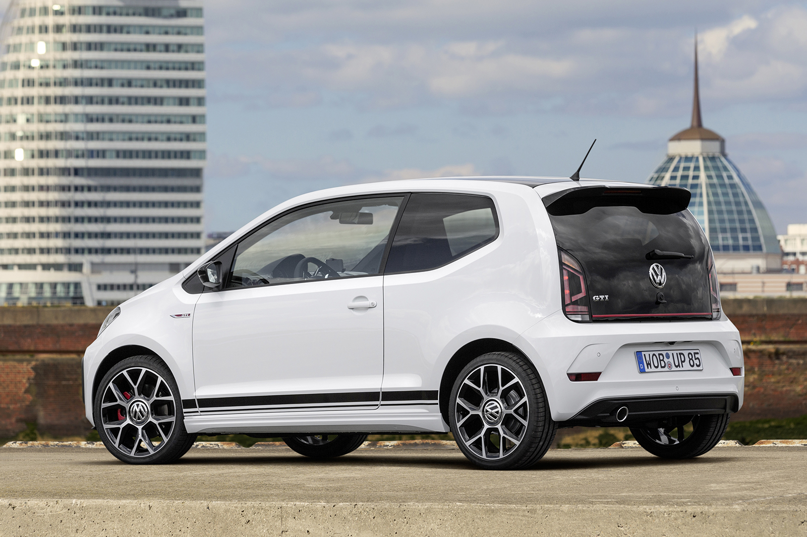 Volkswagen up! photo - 2