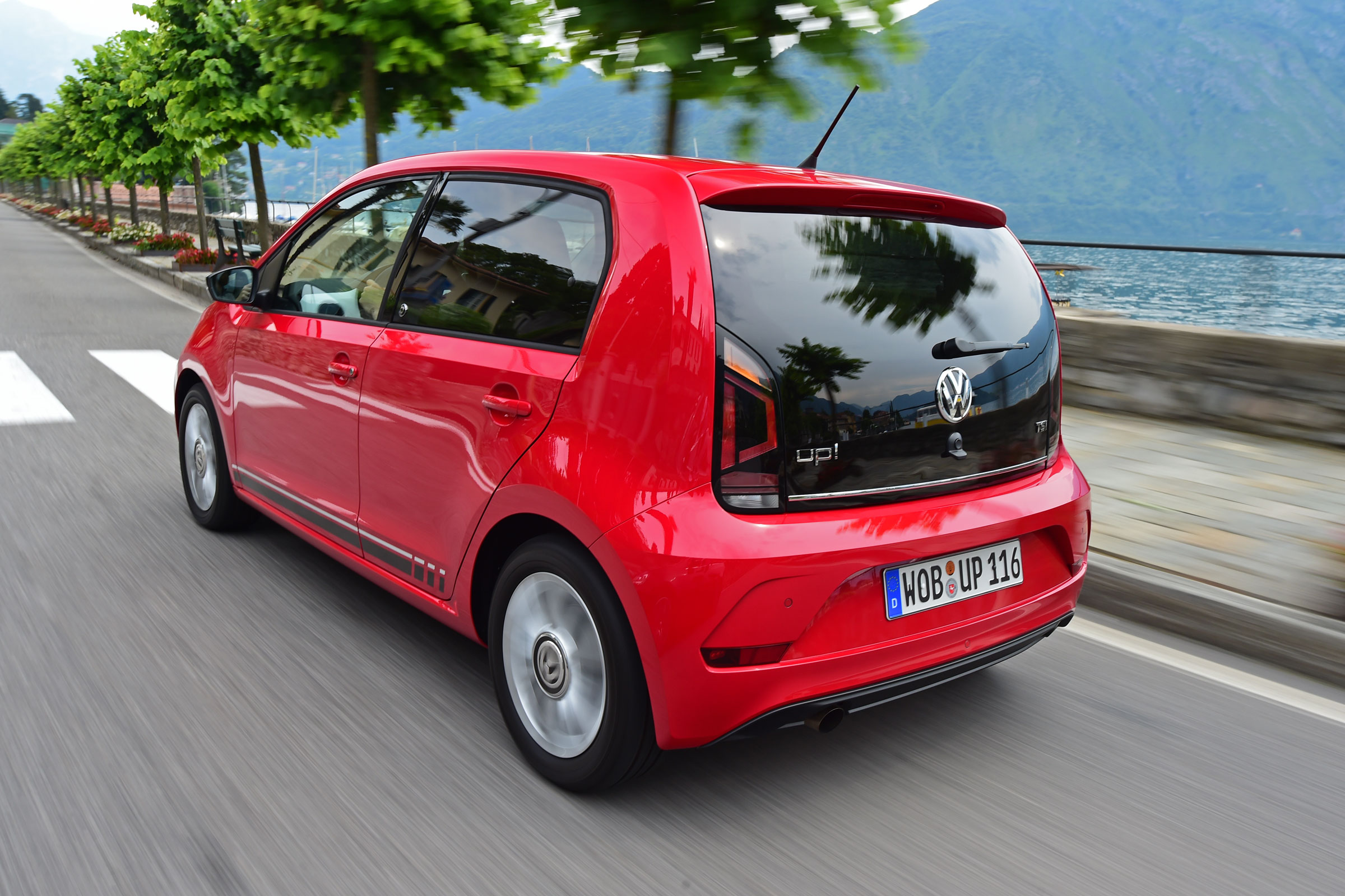 Volkswagen up! photo - 7