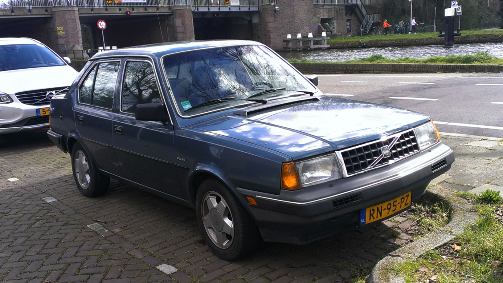 Volvo 360gl photo - 1