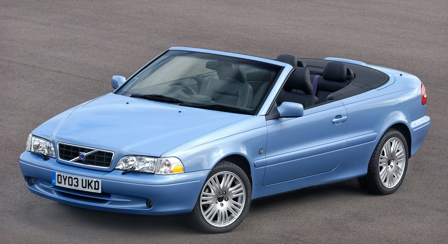 Volvo cabriolet photo - 8