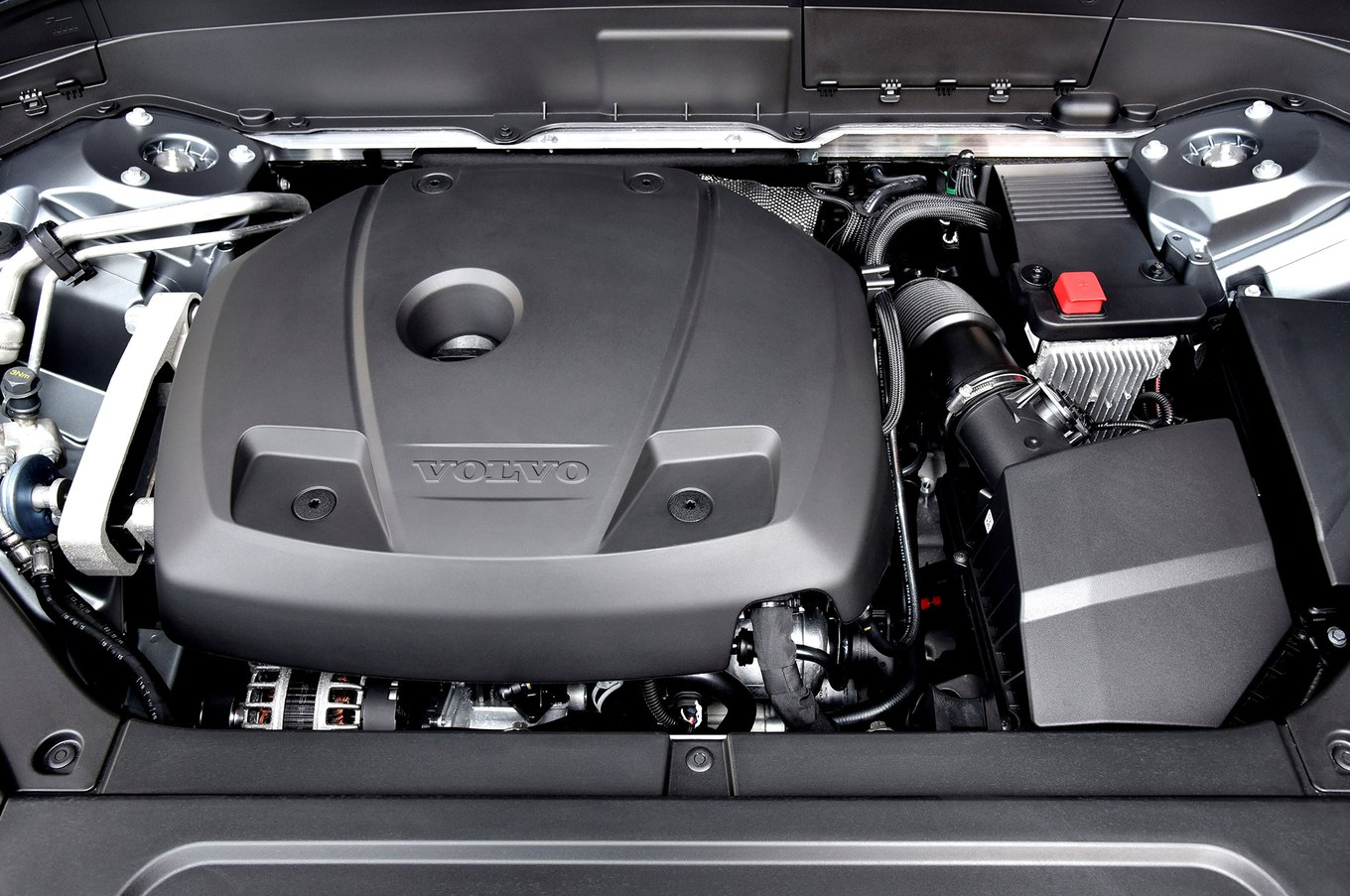 Volvo engine photo - 9
