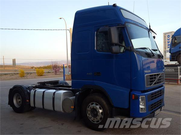 Volvo fh12-440 photo - 10