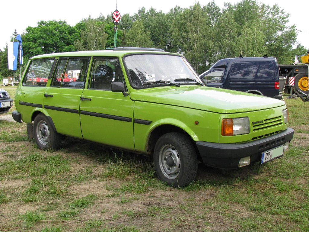 Wartburg kombi photo - 9