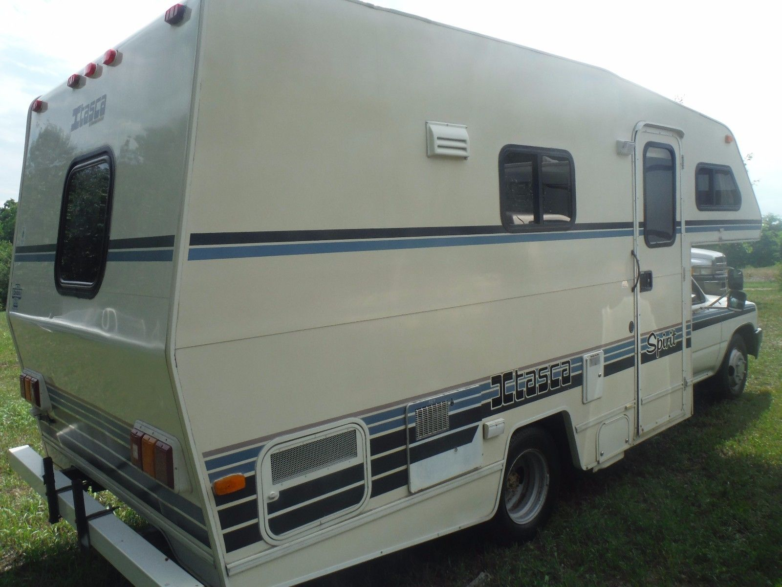 Winnebago mini photo - 7