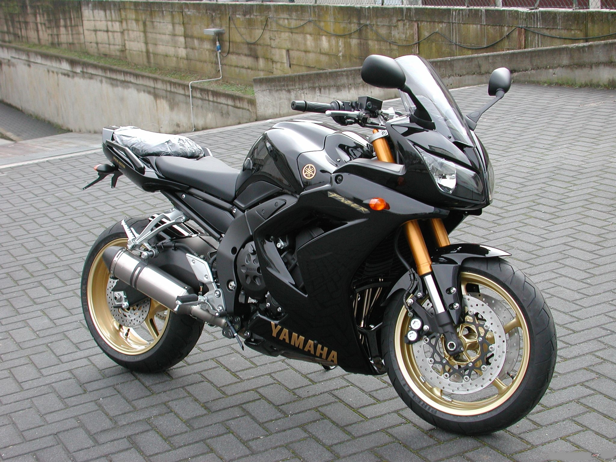 Yamaha fz1 photo - 3